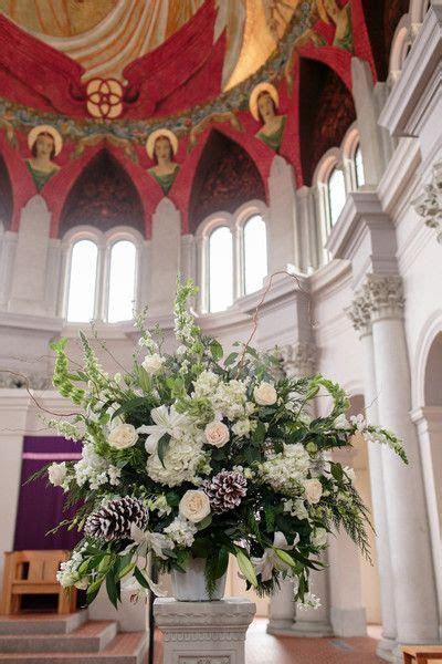 Winter White Louisiana Wedding   Altar flowers, Romantic