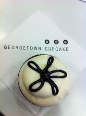 Live from our Georgetown Cupcake SoHo meetup, a lava fudge cupcake by Rachel from Cupcakes Take the Cake