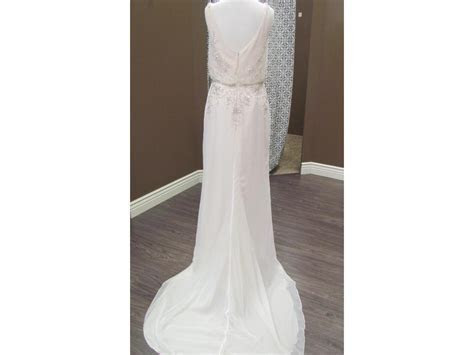 Maggie Sottero Gemma, $300 Size: 8   Sample Wedding Dresses