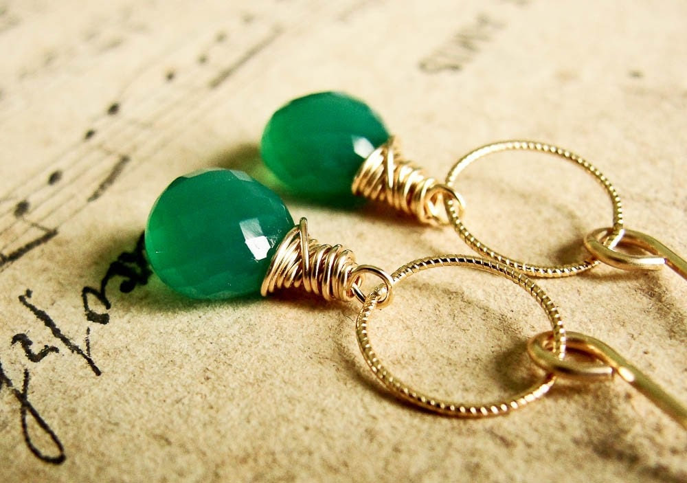 G R E E N. M I S T.... Green onyx and gold earrings