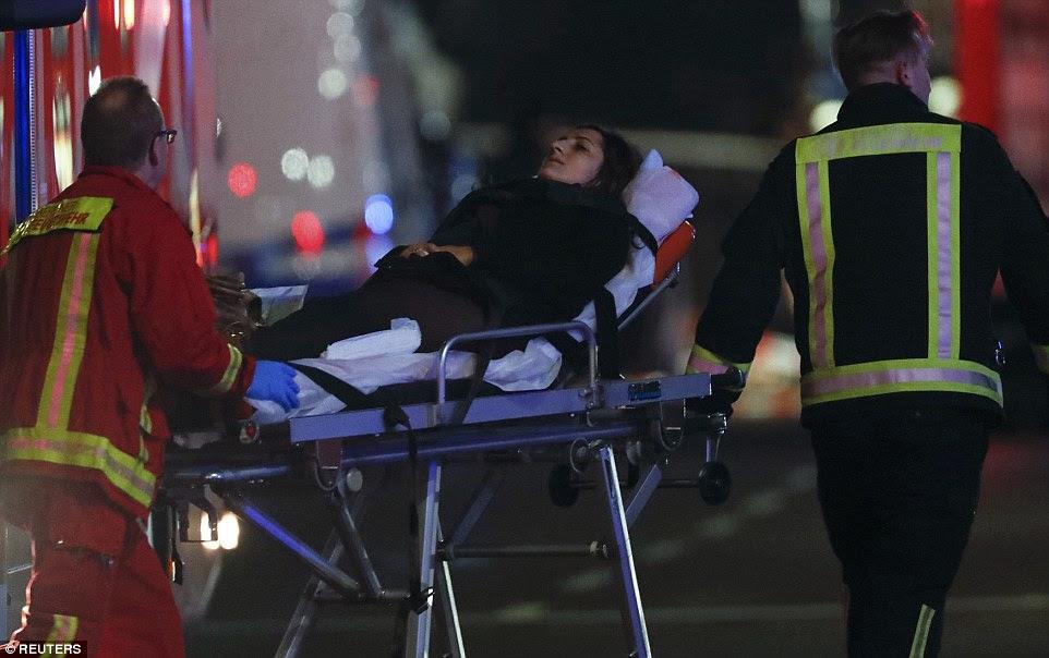 Como a notícia do incidente se espalhar globalmente, porta-voz do Conselho de Segurança Nacional da Casa Branca Ned Price disse que os Estados Unidos condenou-o como um ataque terrorista aparente