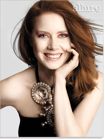 http://virginiaguimaraes.files.wordpress.com/2010/09/amy-adams.jpg