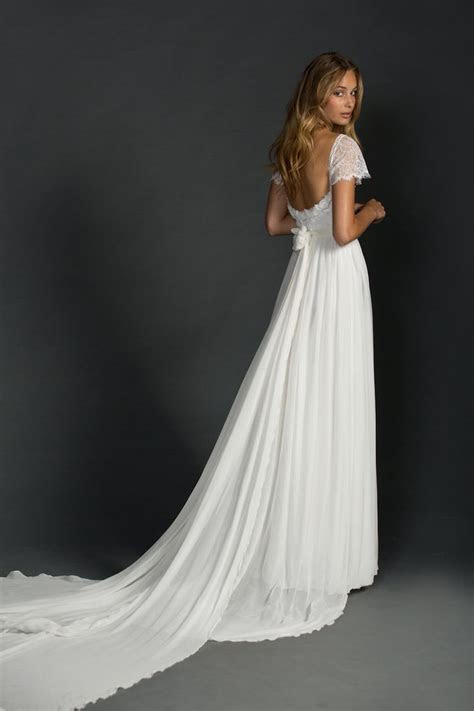 Low Cost But Divine Wedding Dresses You Must Have   Plus