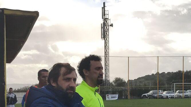 Viso y Jorge Pirri, primer y segundo entrenador del Tesorillo, ayer.