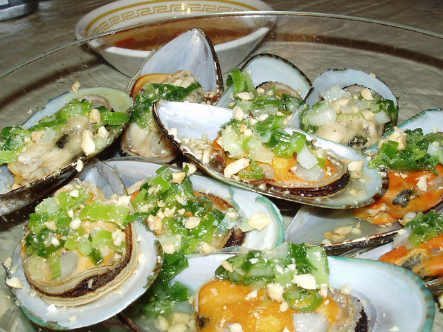 Steamed mussels. Vietnamse style