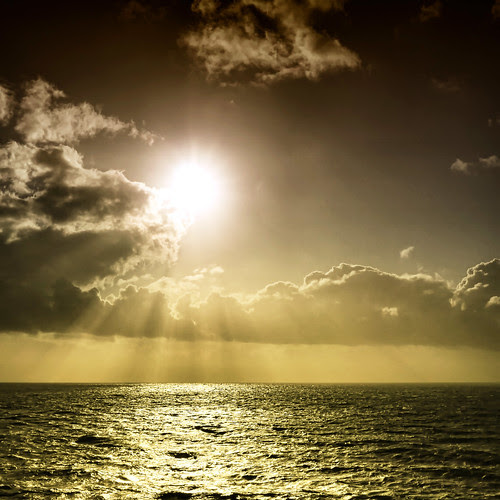 Turn your face to the sun and the shadows fall behind you.  ~Maori Proverb by ZedZap
