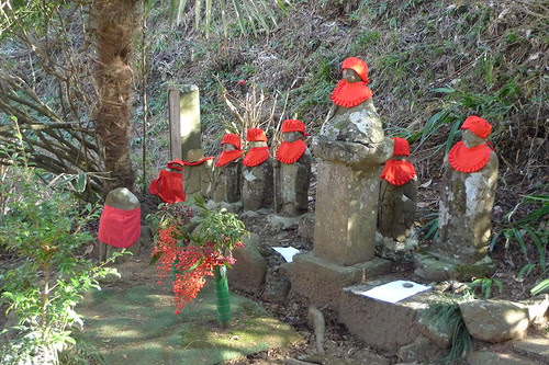 Little stone statues