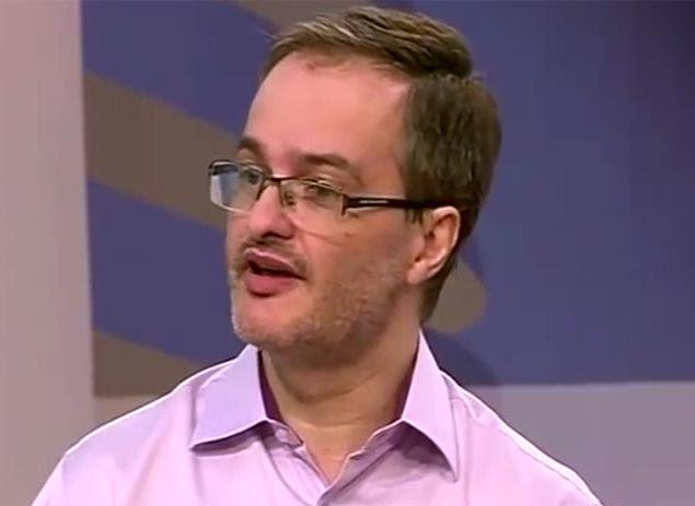 "O ativista ateu Daniel Sottomaior, no ""JC Debate"", da TV Cultura"