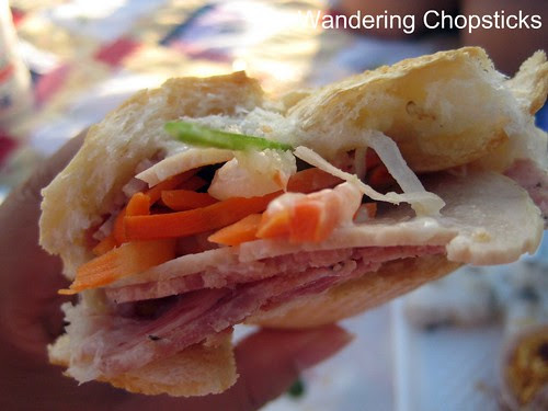 Banh Mi & Che Cali Bakery - Westminster (Little Saigon) 3