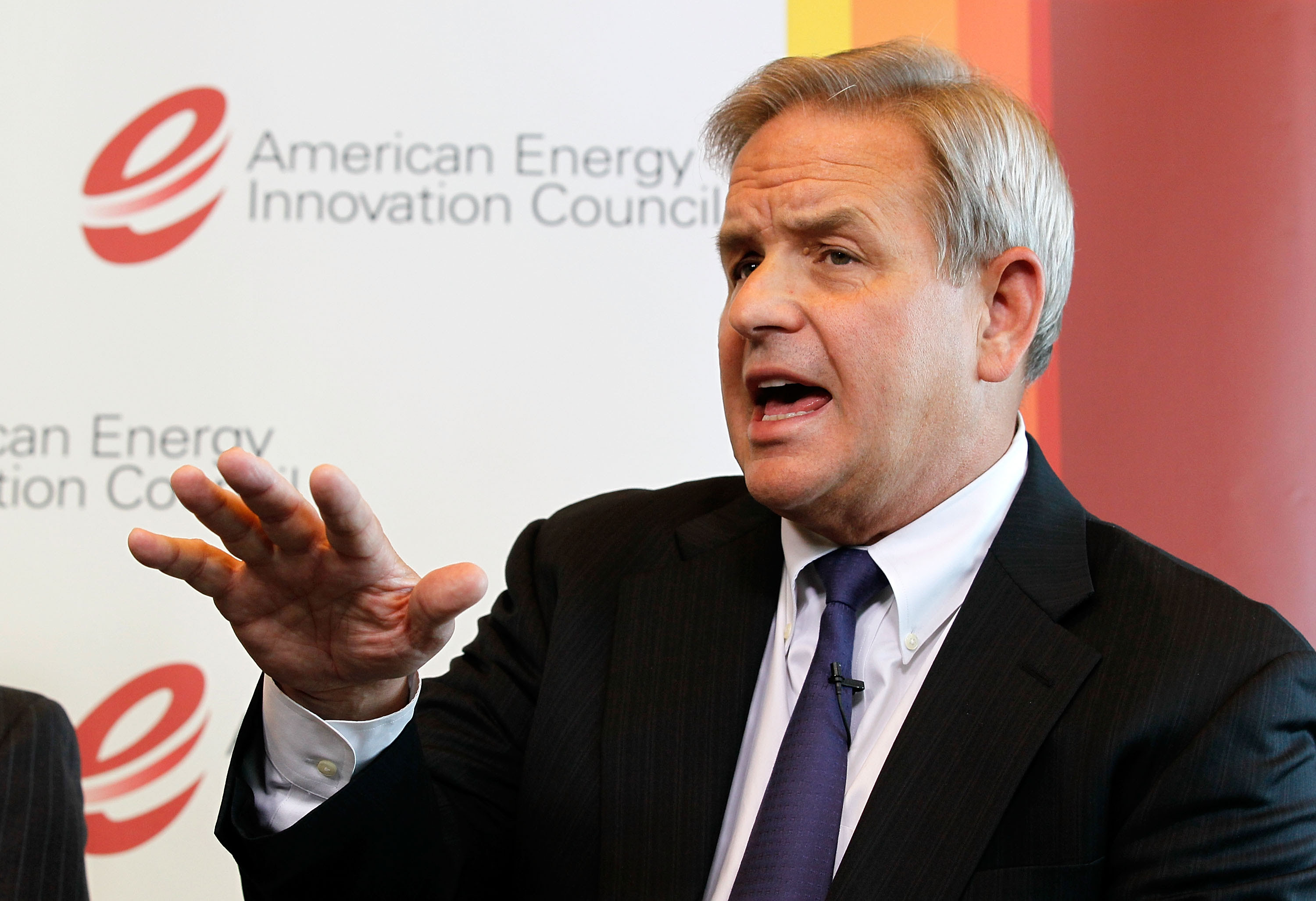 Chad Holliday Becomes Shells First American Chairman