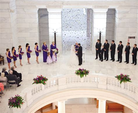 real wedding held   arkansas state capitol building