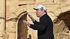 """Σύμφωνα με τον Valery Gergiev, στη μουσική που ακουγόταν στην Παλμύρα αντανακλάται """"ψυχική οδύνη, αγανάκτηση, διαμαρτυρία ενάντια στη βαρβαρότητα και τη βία κατά των μη-ανθρώπους, καταστρέφει ανεκτίμητα μνημεία του παγκόσμιου πολιτισμού, έχουν κανονιστεί εδώ ένα μέρος της μάζας εκτελέσεις"""""""