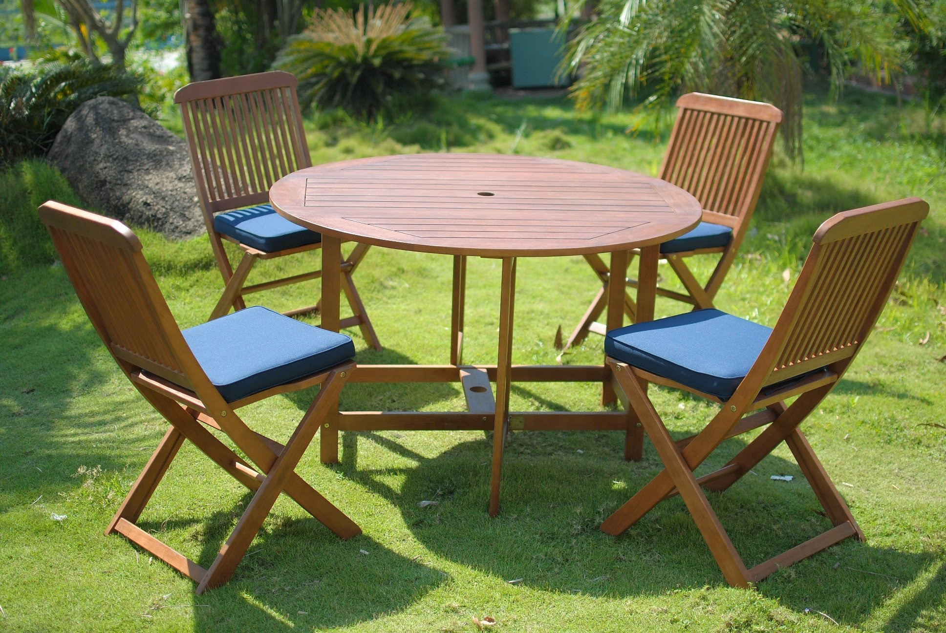 Elegance 4 Seater Folding Round Patio Dining Set - Simply Wood