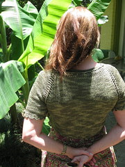 mini-cardi, back detail