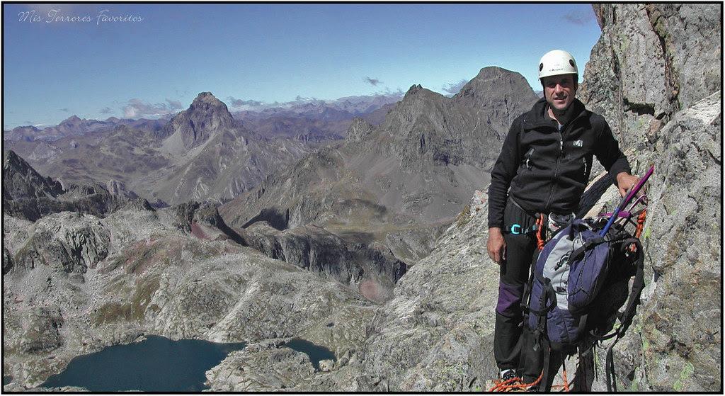 reunión con vistas  escalando el pitón von martin Y ARISTA SUROESTE AL PALAS 2974 M .