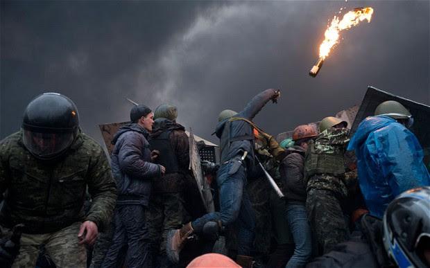 Ουκρανία: Δραματικές και ιστορικές εξελίξεις… ένα βήμα πριν τη διάσπαση;