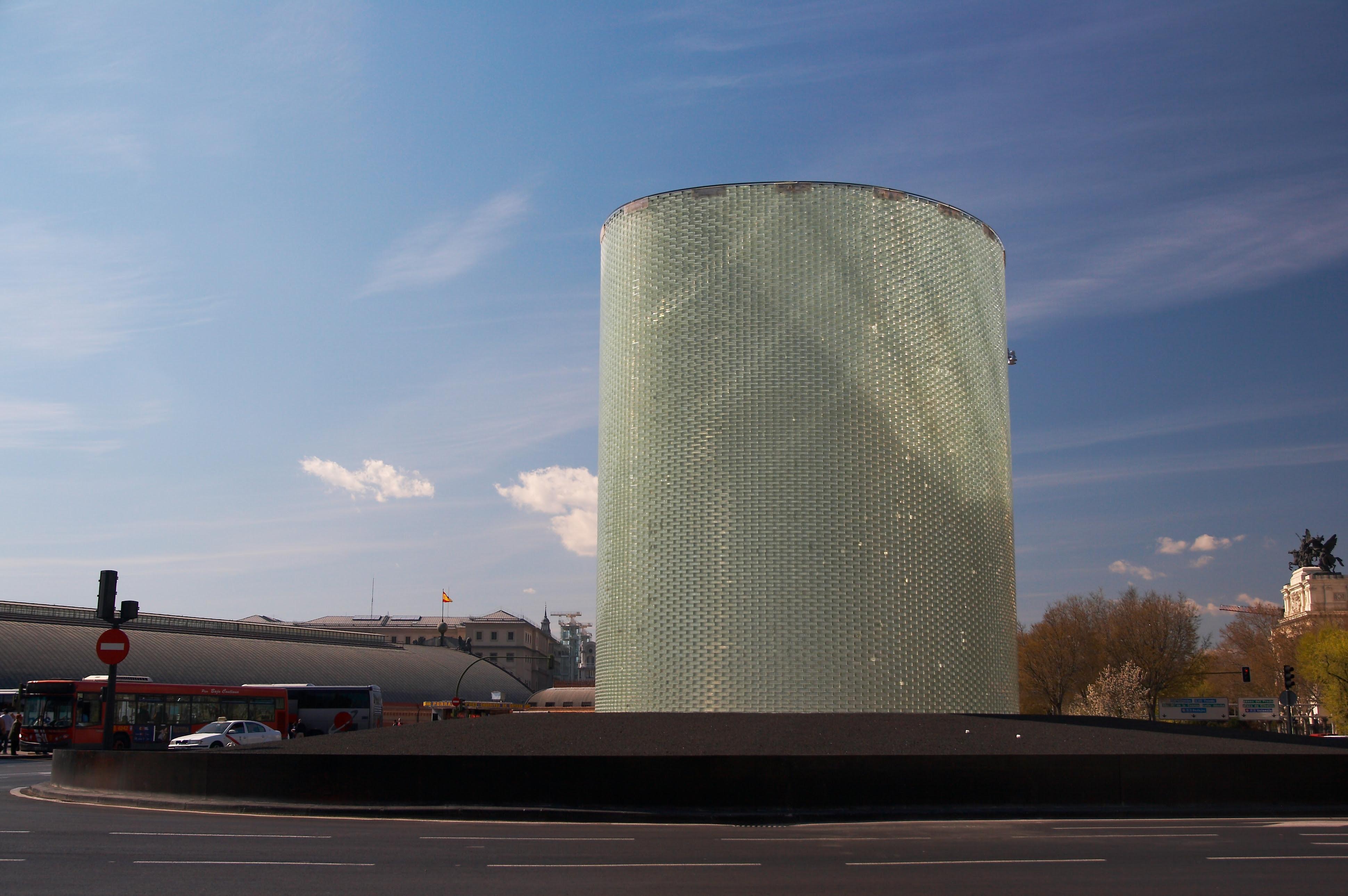 Monumento a las víctimas de los atentados del 11-M, ubicado en frente a la estación de Atocha, en Madrid