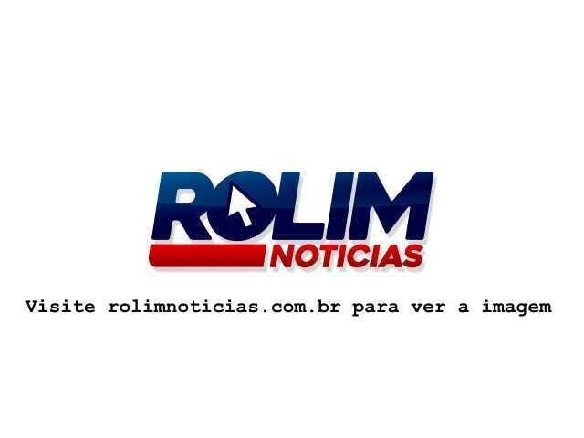 Queda de motoneta na RO 010 termina com vítima encaminhada ao hospital de Rolim de Moura