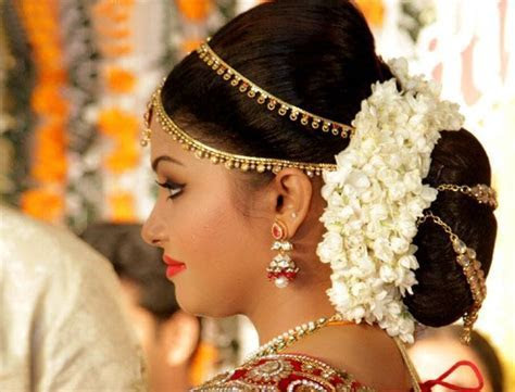 Reception Hairstyles: How To Nail Your Wedding Look
