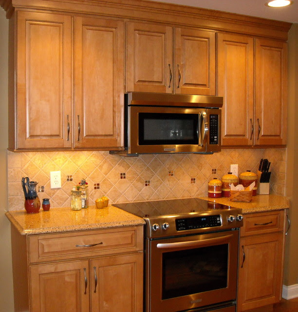 Natural Maple Cabinet Kitchen Remodel Traditional