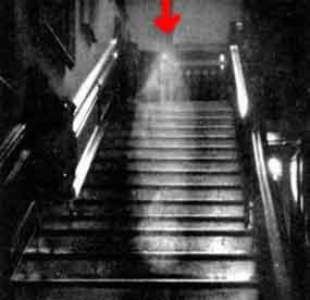 """The Brown Lady"" of Raynham Hall"