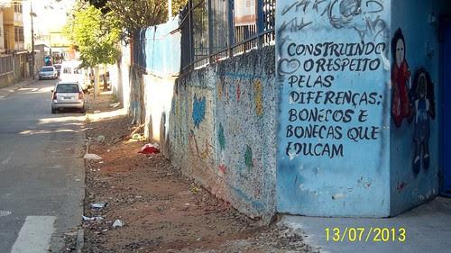 Obra de acessibilidade na rua Félix Alves Pereira, EMEI Prof. Arlindo Veiga dos Santos e EEM Prof. Mário Pereira Bicudo, no Jd. Centenário
