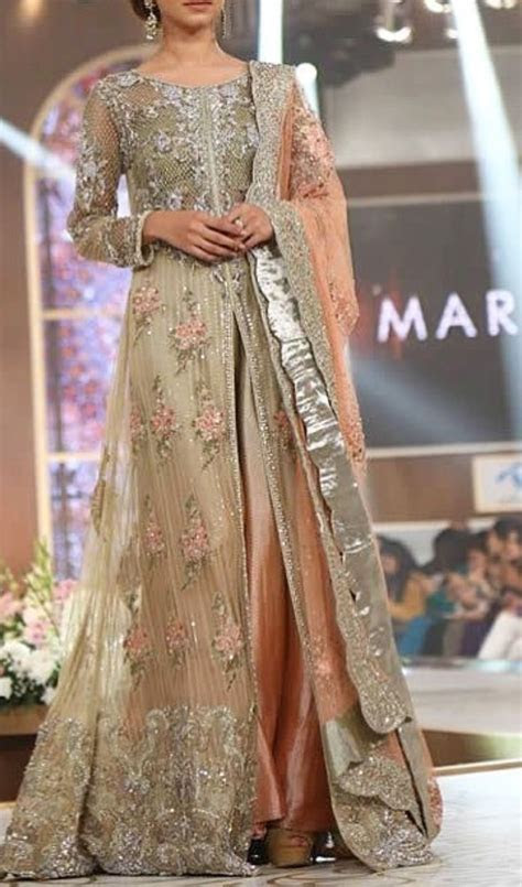 Best 20  Pakistani gowns ideas on Pinterest