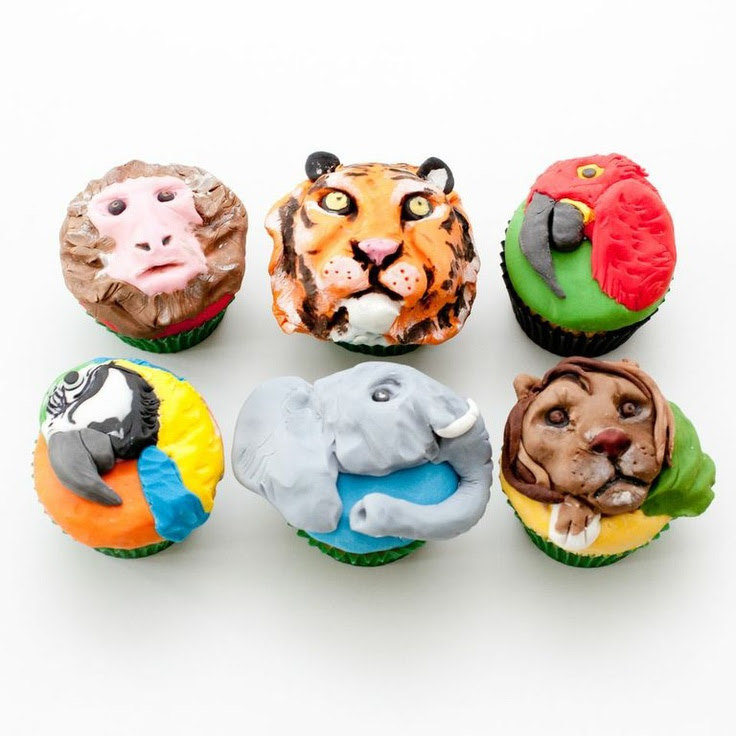 Fancy zoo cupcakes