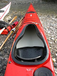 pozzetto, a buco di chiave, di un kayak da mare