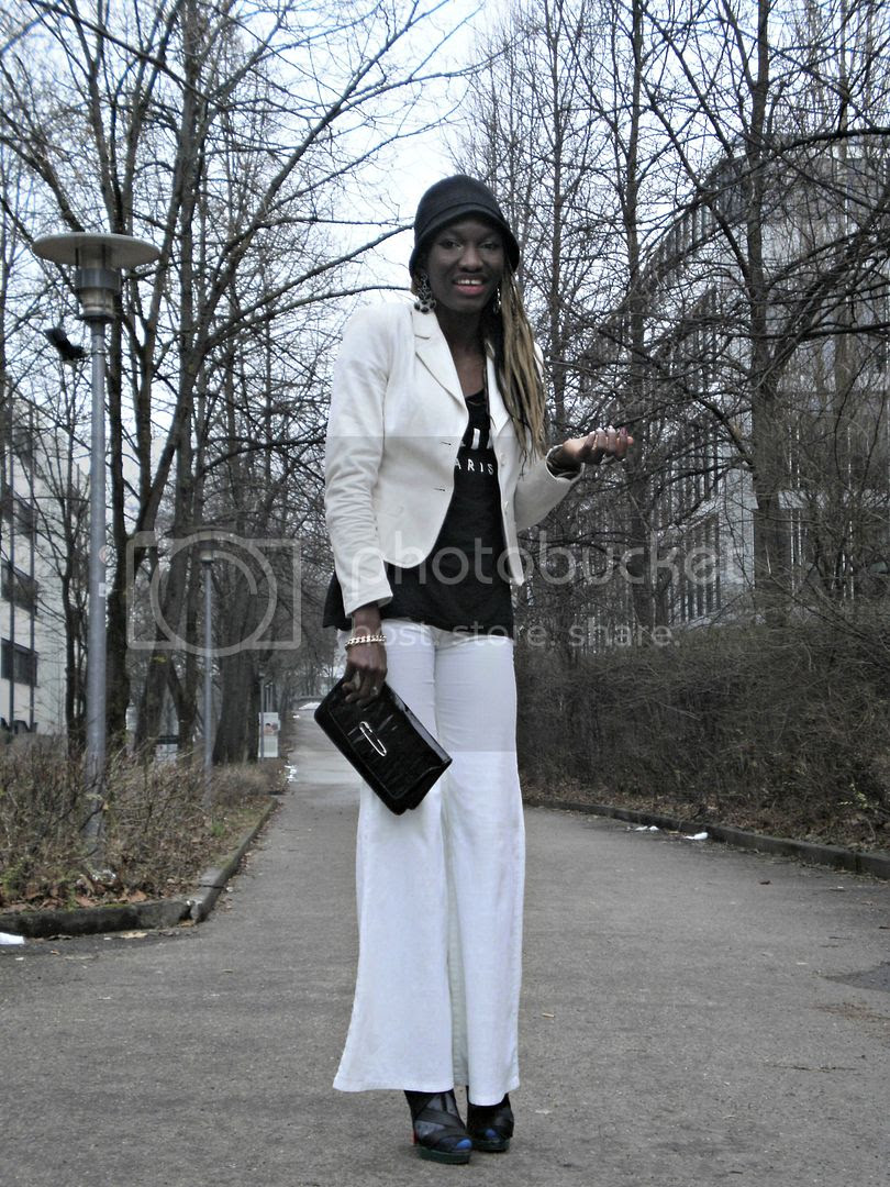 How to wear flare pant in winter.jpg