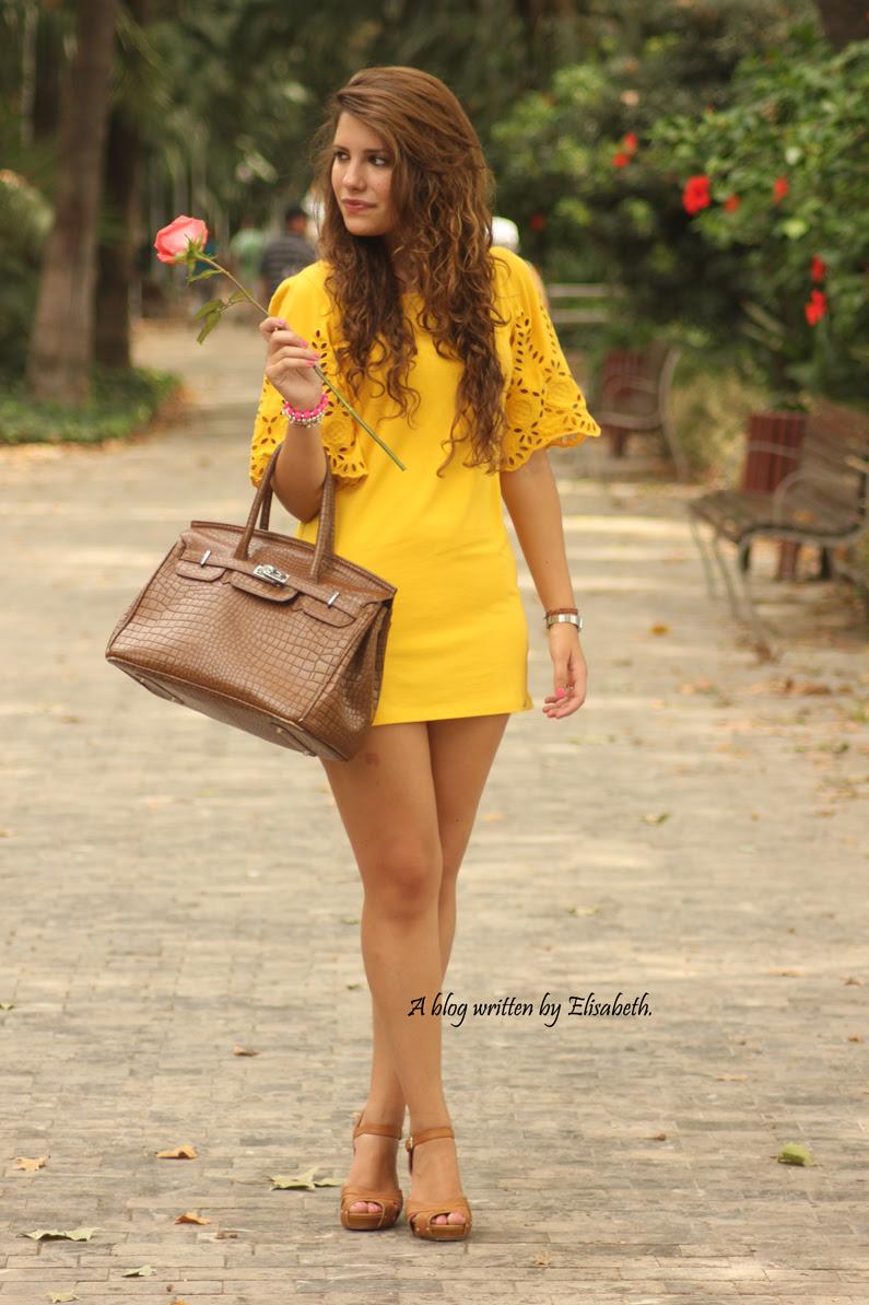 Vestido-amarillo-cuñas-XTI-heelsandroses-(3)
