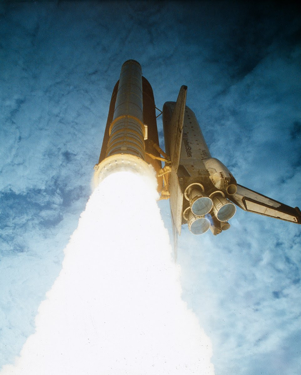 Jun05-1991-STS40liftoff