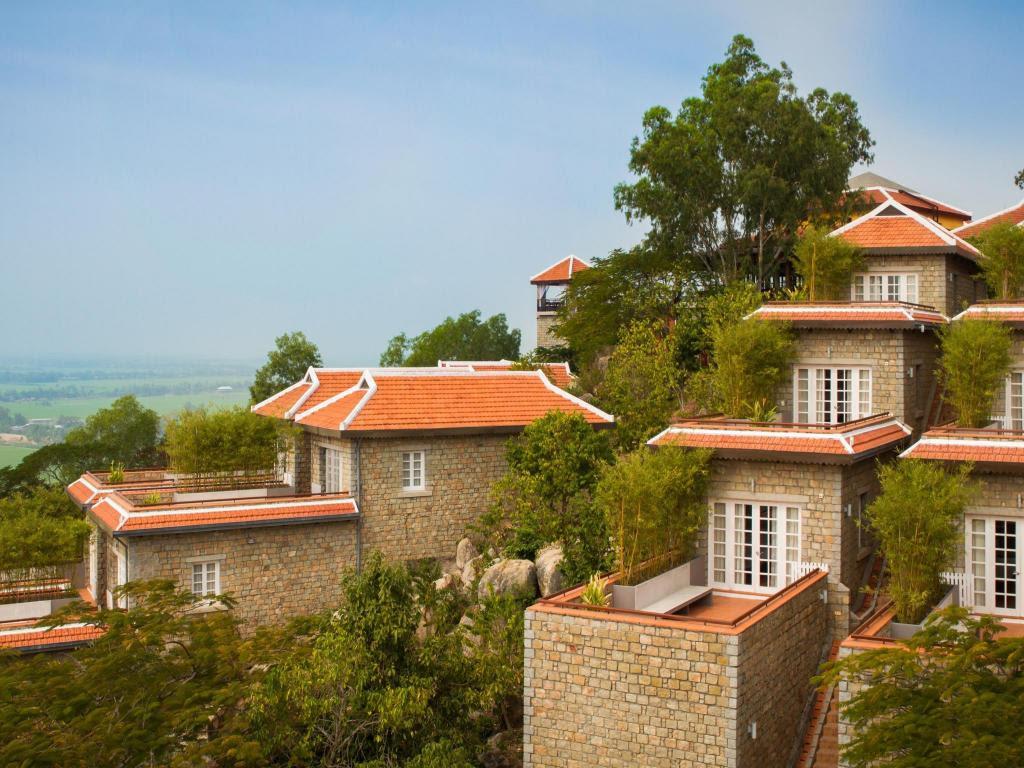 Top 14 khách sạn An Giang được đánh giá cao và đặt phòng nhiều đầu năm 2021 uy tín từ Agoda