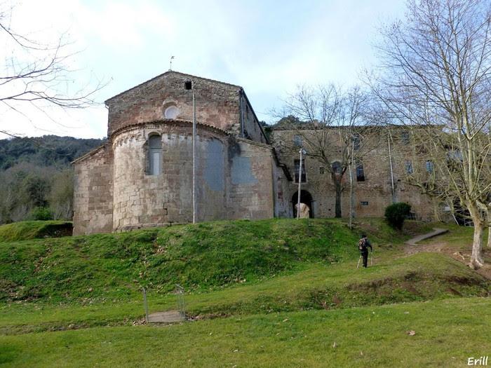 Foto de Santa Pau – Sant Martí Vell – Salt de can Batlle – El Sallent – Santuari dels Arcs