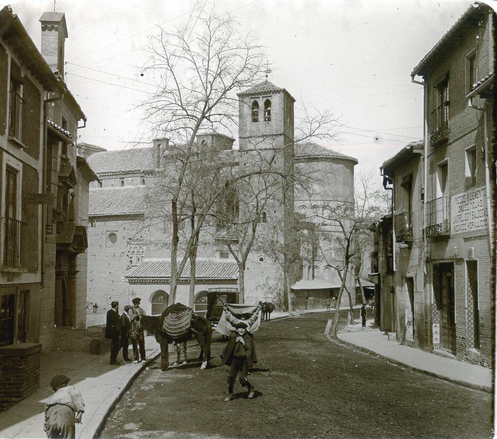 Iglesia de Santiago del Arrabal (Toledo) a principios del siglo XX