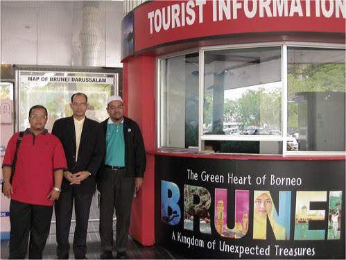 Delegasi KPU Teroka Dan gempur Brunei Darussalam