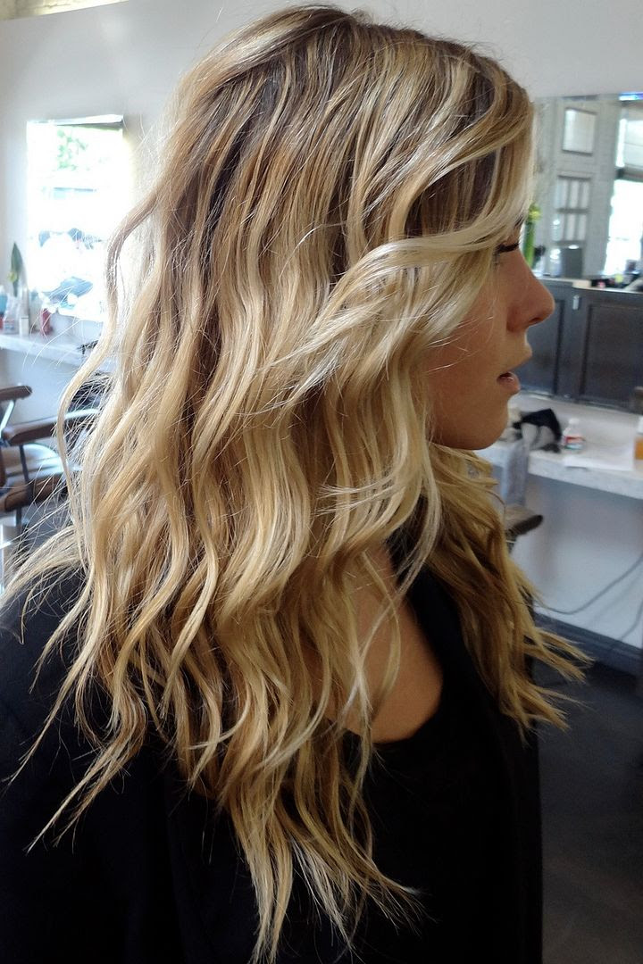 Le Fashion Blog -- Hair Inspiration -- Long Beachy Blonde Waves -- Wavy Hair -- Via Neil George Salon -- Side View -- photo Le-Fashion-Blog-Hair-Inspiration-Long-Beachy-Blonde-Waves-Side-Via-Neil-George-Salon.jpg
