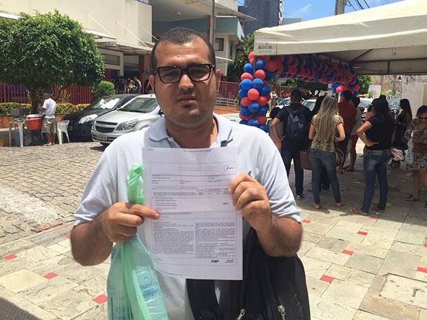 Gustavo Ramos, de 30 anos, é portador de dislexia, discalculia e déficit de atenção (Foto: Felipe Gibson/G1)