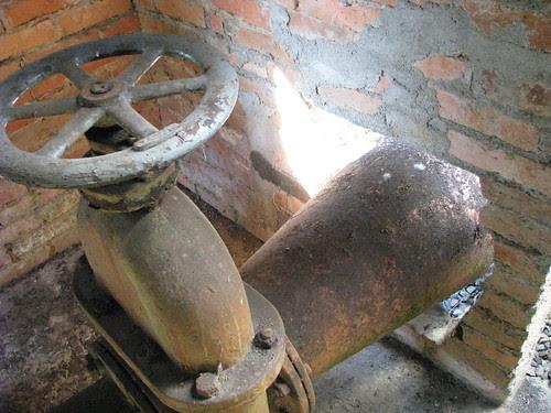Registro de entrada de água do moinho