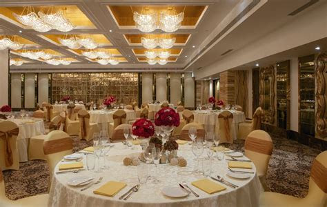 Plan your wedding in elegant style at 5 star & luxury