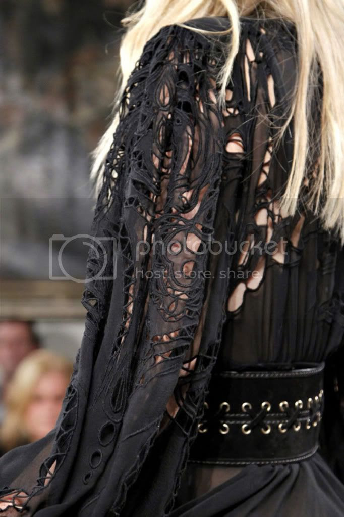 cutwork,lace,black