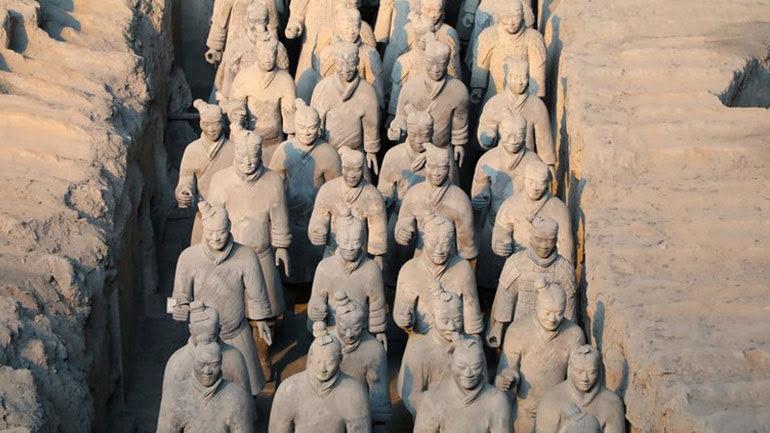 Πέθανε ο αρχαιολόγος που ανακάλυψε τον «Πήλινο Στρατό»