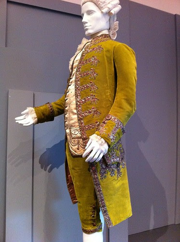 LACMA silk & velvet coat & breeches (1780-85)