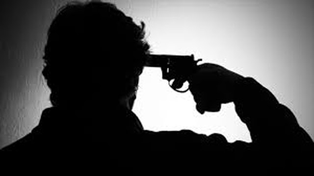 Sub-Inspector shoots himself using service rifle