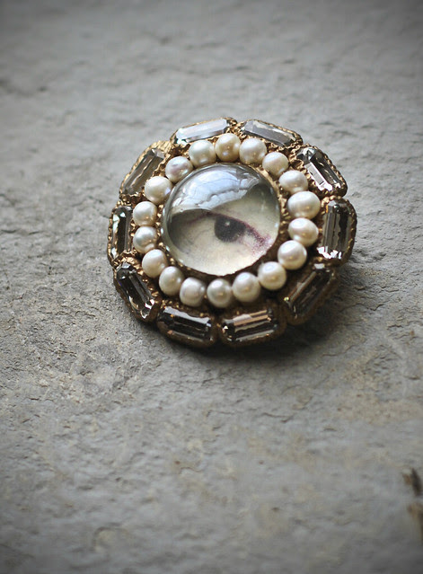 Commissioned brooch - Ayahi