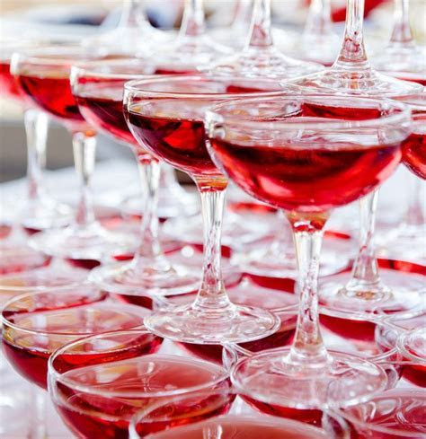Gorgeous welcome drink ideas for your wedding day