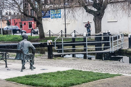 Royal Canal 2nd. Lock - Statue of Brendan Behan by infomatique
