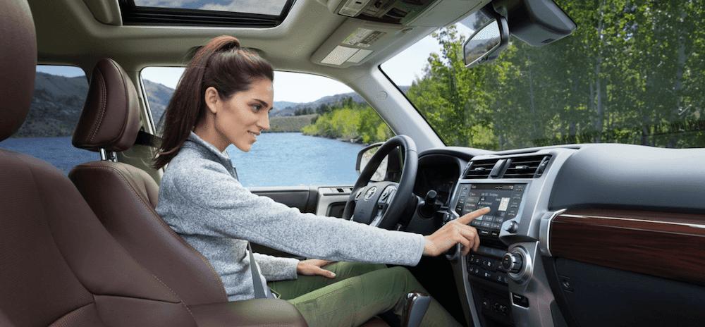 2020 Toyota 4Runner Interior Features, Dimensions ...