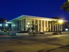 New Formalist bank in Shorewood