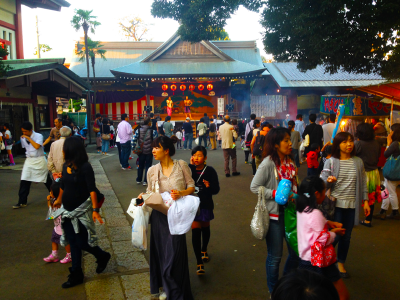 It's till early. The Gaijin Gourmet doesn't like huge crowds so we always get there early!